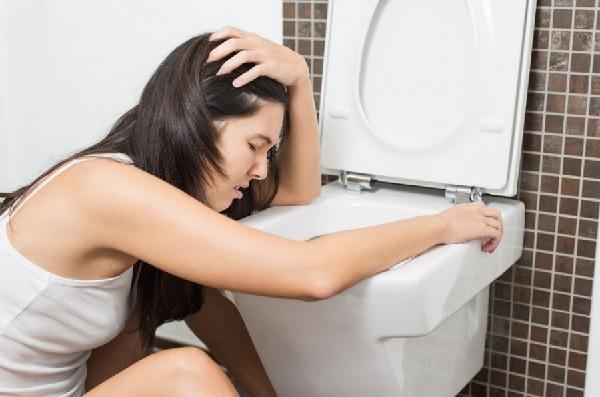 Помощь при пищевом отравлении в домашних условиях