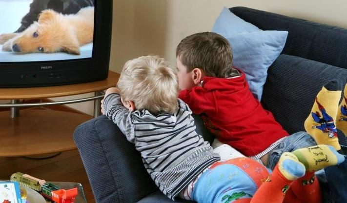 Вред телевизора для детей