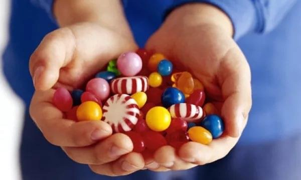 Отравление конфетами у ребенка