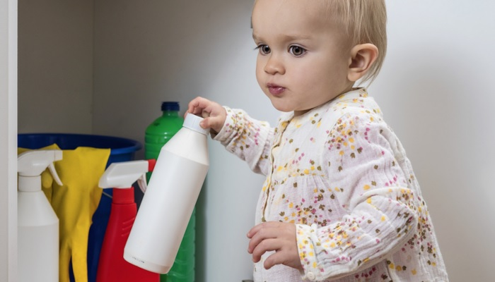 Помощь детям при отравлении