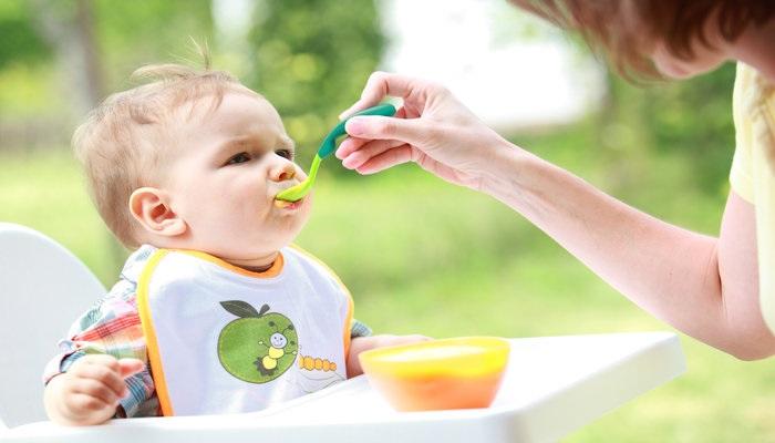 Первая помощь при отравлении пищей у детей