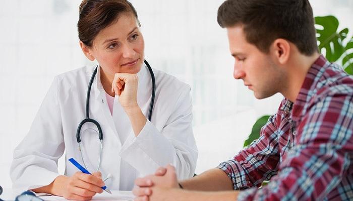 К какому врачу обратиться при пищевом отравлении
